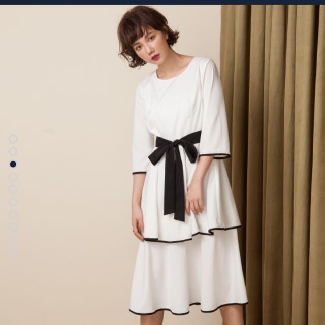 Marjorie 慶祝,雙層裙襬船領綁帶洋裝