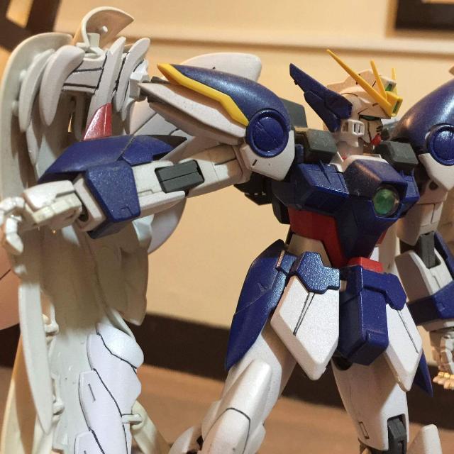 Master Grade - Wing Gundam Zero with Free Gundam X