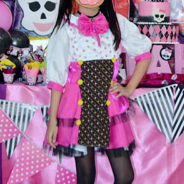 & Monster High Costume (Draculaura) on Carousell