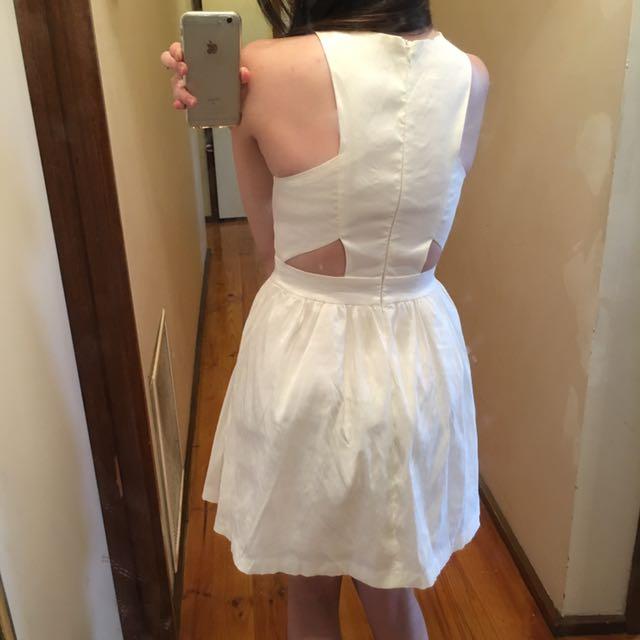 Mossman dress size 6