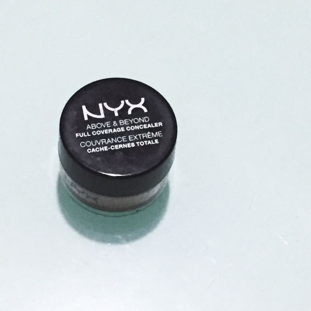 NYX Above and Beyond Full Coverage Concealer Jar in Medium