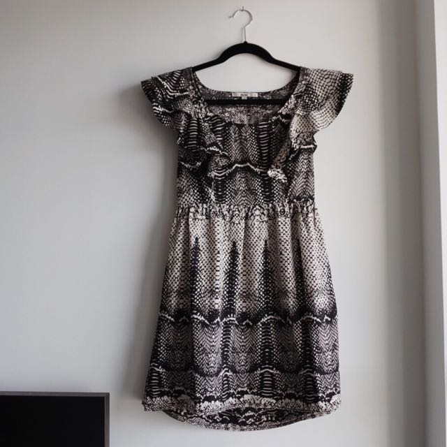 Scalloped Flowy Sleeve Dress