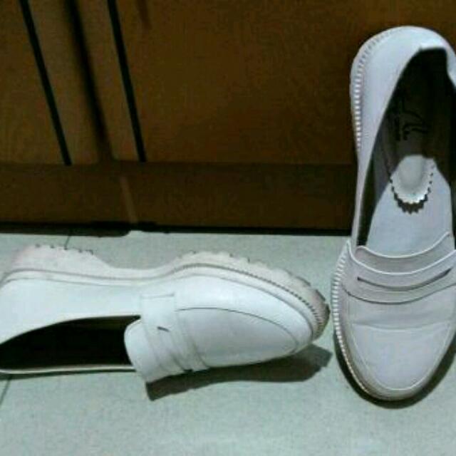 Sepatu Docmart