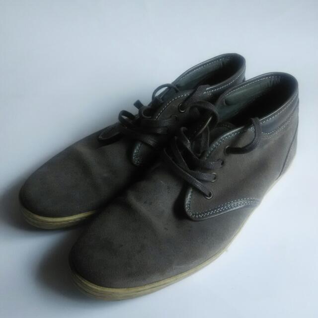 Sepatu Semi Boots Suede Brand Highstreet