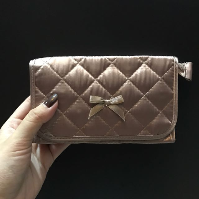 Small pouch for makeups, and others