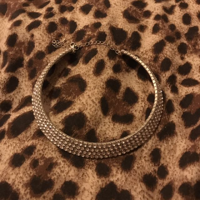 Sparkly Choker Type Necklace