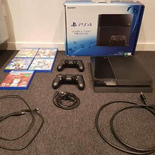 PS4 1TB Ultimate Players Edition Bundle With Games & 2 x Controllers