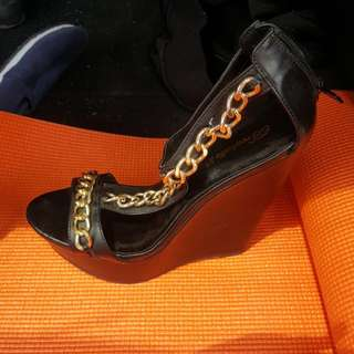 Black Gold Chain Wedges
