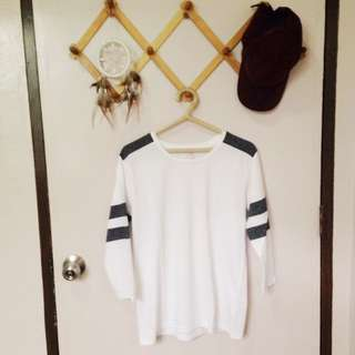 3/4 White Top With Gray Line Details