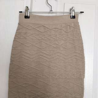 Mooloola Knitted Skirt Size 8