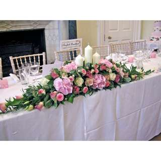 Elegant table arrangement - Elgble