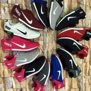 nike shoes/ sneakers