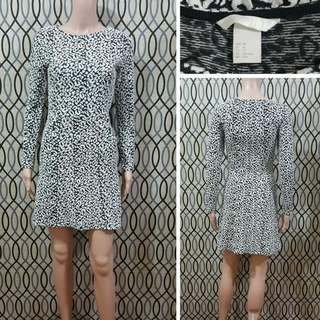H&M Dress With Side Pockets
