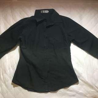 黑色腰身襯衫