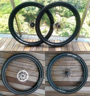 Commencal El Camino original 650b wheelset with tires and disc