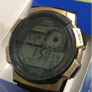 AUTHENTIC CASIO WATCH - Gold and black