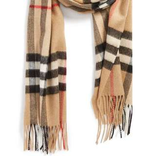 LOOKING FOR AUTHENTIC BURBERRY SCARF