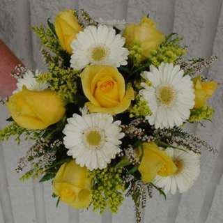 yellow roses with white gerberas mix plants bouquet hand tied - Emosien