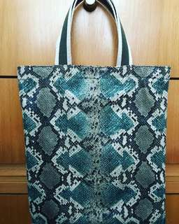 leather look tote bag