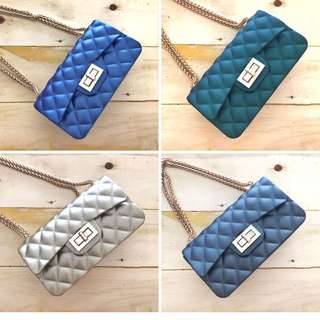 Mini quilted Slingbag
