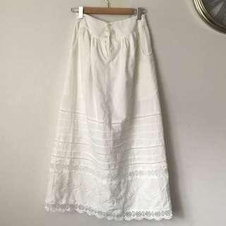 White Vintage Lace Pocket Skirt Size 8