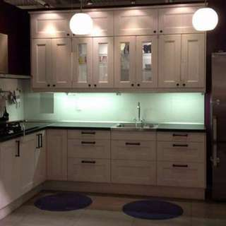 Kitchen Cabinets/ Counters