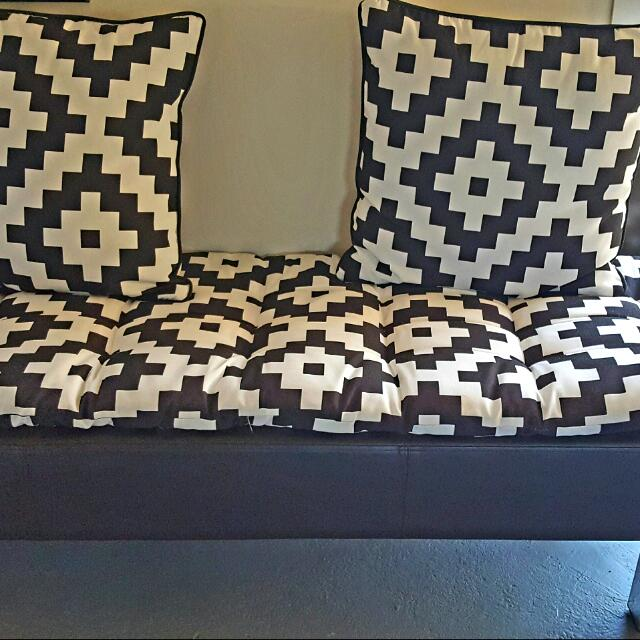 3 Seater With Cushions
