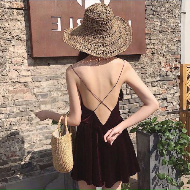 歐美絲絨露背交叉好質量連身裙
