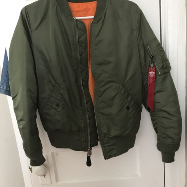 ALPHA INDUSTRY ARMY GREEN BOMBER JACKET