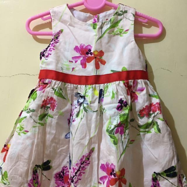 Baby dress (w/ Red Ribbon)