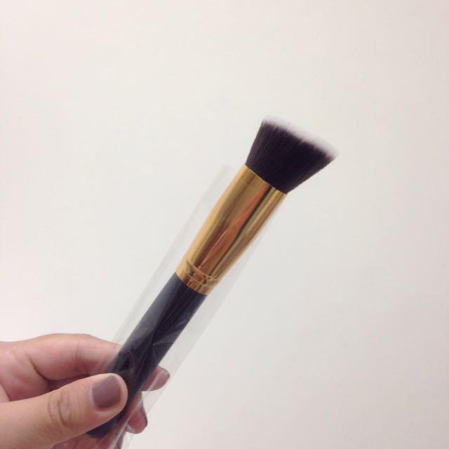 BH Cosmetics Brush 臉部刷具