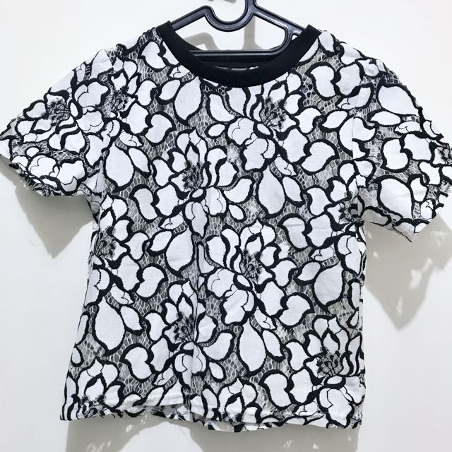 Black And White Flower Brokat Blouse