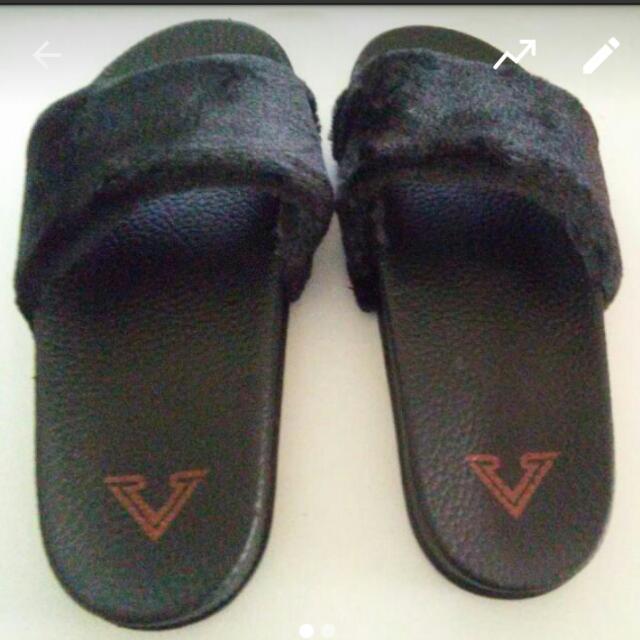 SALE! Black Fur Slides