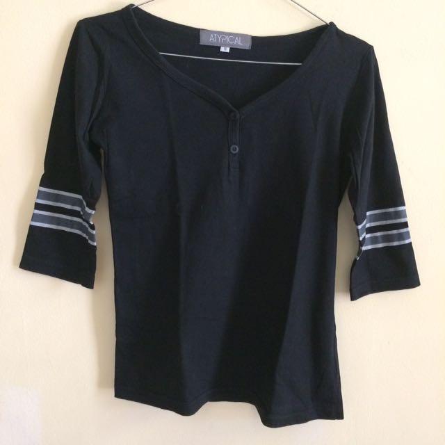 Black stripe top (1)