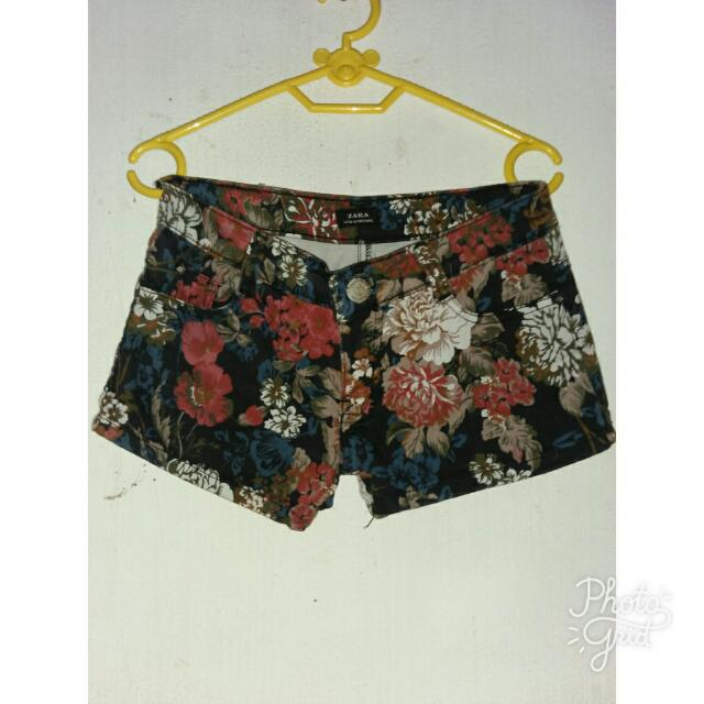 Celana Pendek Zara Motif Bunga