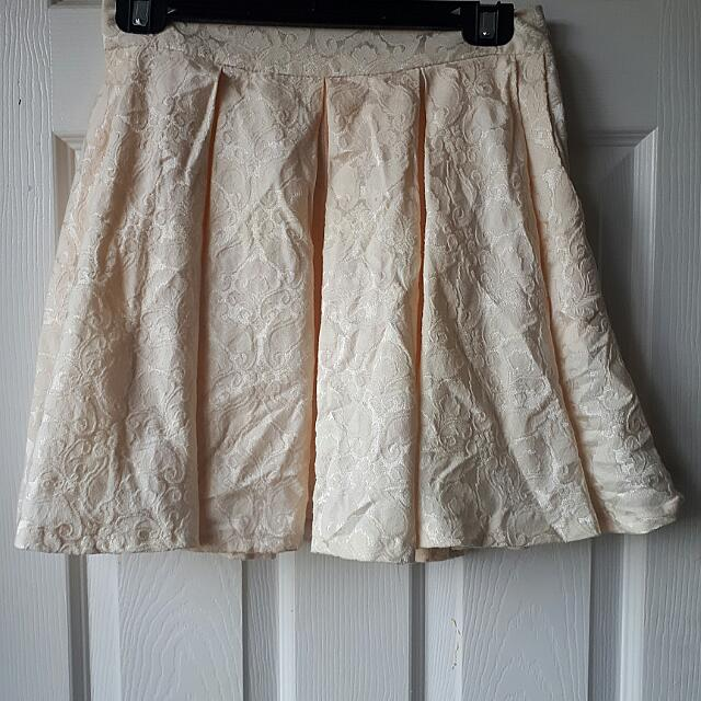 Cream Beige - Pleated skirt with pockets