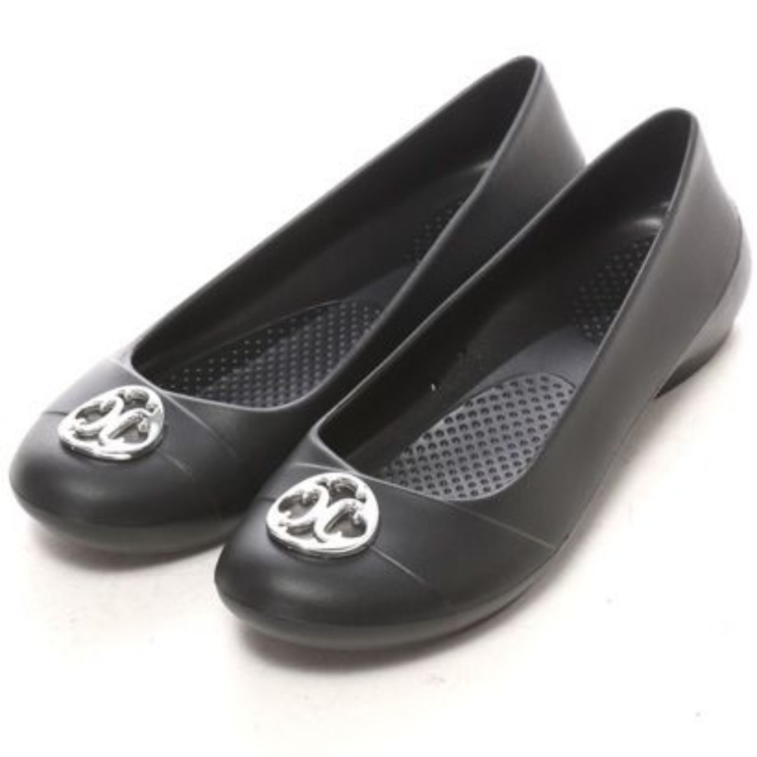 crocs Women's Gianna Disc Flat, black/silver, size 7