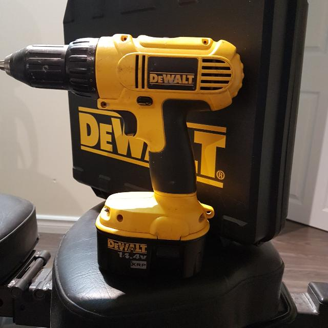 Dewalt 14.4v Drill (Pick Up Only)