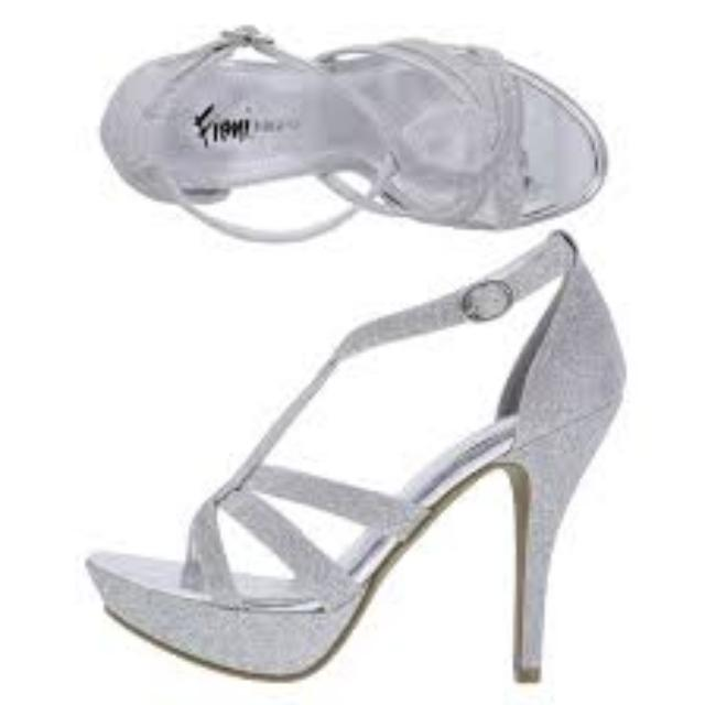 Fioni Night Silver Heels Sz 7.5