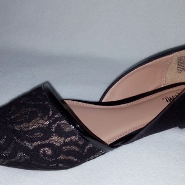 Fioni Pointed Flats