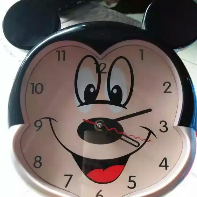 Jam Dinding Karakter Mickey Mouse c8a2bb924f