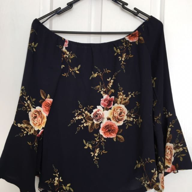 Ladies Off The Shoulder Top Size 8