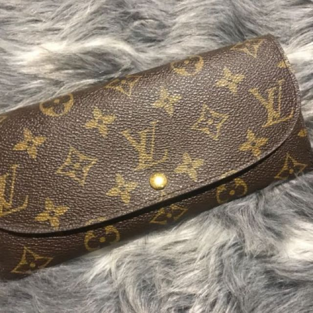 Louis Vuttion Wallet
