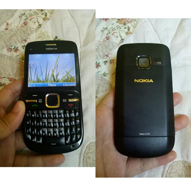 Nokia c3 black with charger