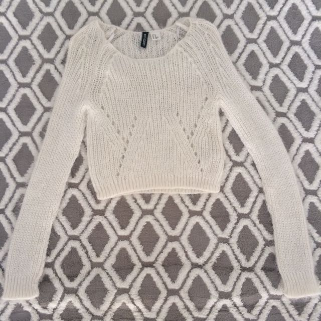 PRELOVED H&M (Fluffy Sweater)