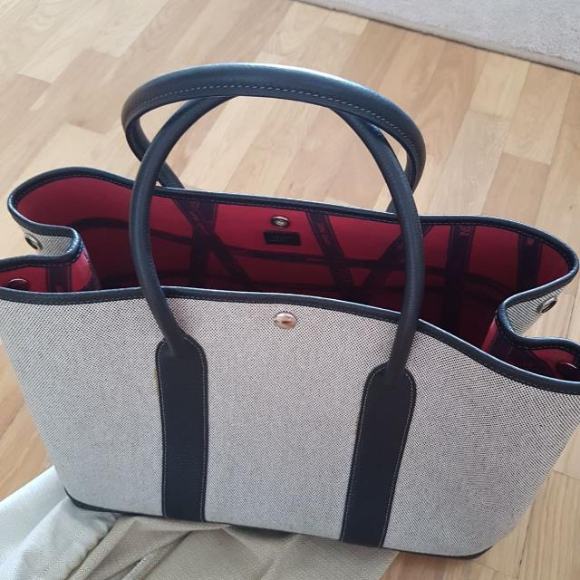 preloved hermes garden party 36 in canvas with limited edition fabric interior there are stains. Black Bedroom Furniture Sets. Home Design Ideas