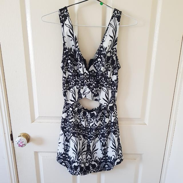 Printed Playsuit Size 6/XS