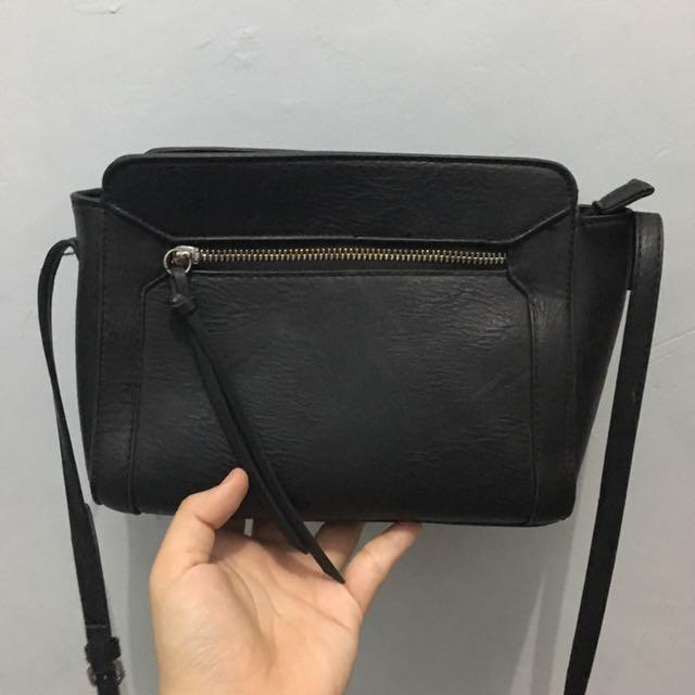 Stradivarius zip bag