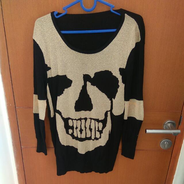 Sweater Import Motif Tengkorak
