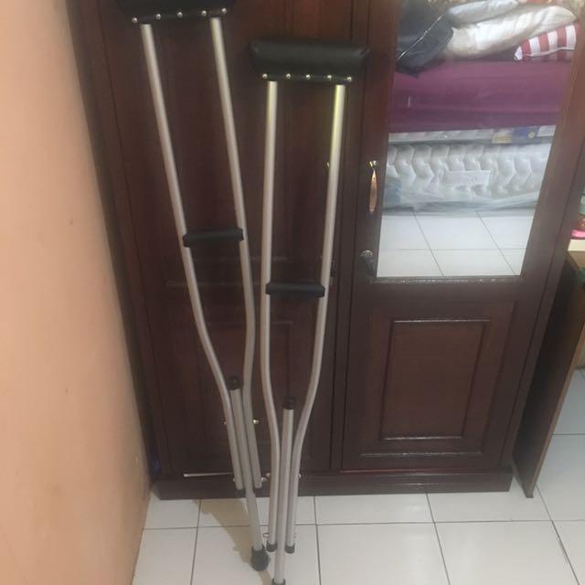 tongkat alat bantu jalan sepasang